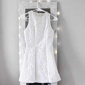 KEEPSAKE WHITE LACE FIT AND FLARE DRESS (XS)